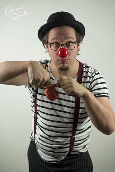 Clown Klinikclown Rucki zaubert 01