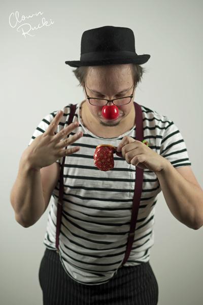 Clown Klinikclown Rucki zaubert 02